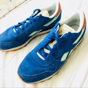 Reebok CLASSICS Men's size 10 blue suede royal